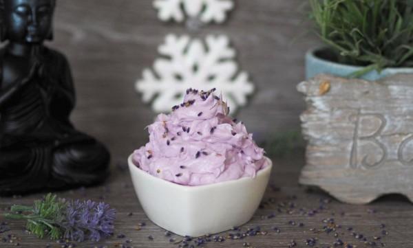 Shea-Sahne mit Lavendel